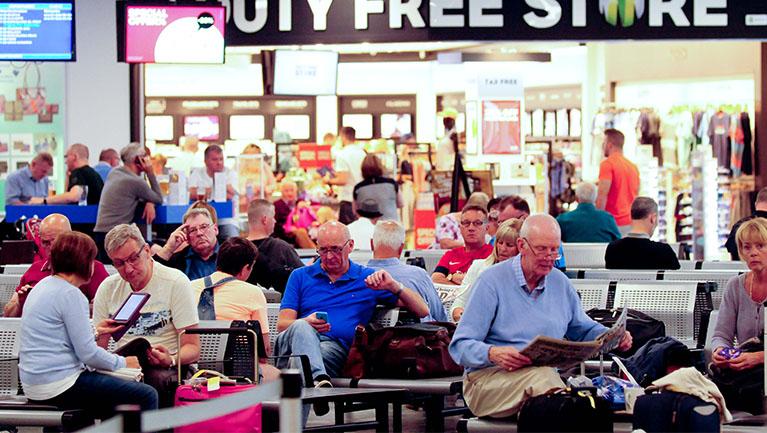 Glasgow Prestwick Airport departures
