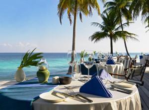 Beach dining setting